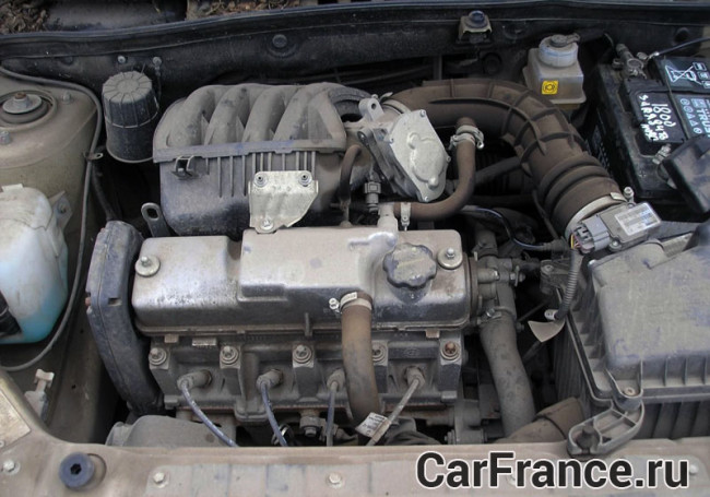 Двигатель 11186 (под капотом) Лада Гранта
