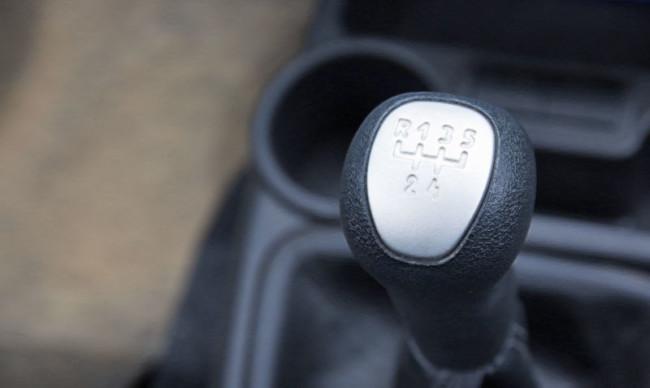 Ручка переключения передач на старой КПП Лада Гранта