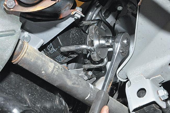 Демонтаж фильтра двигателя 21126