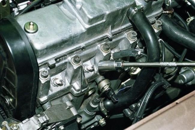 Свечи на двигателе 21116
