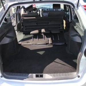 Багажник Лада Гранта с разложенным задним рядом сидений