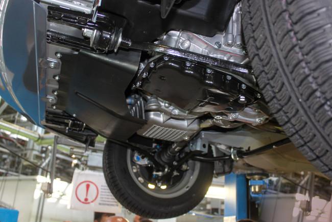 Щиток мотора в Гранте с АКП
