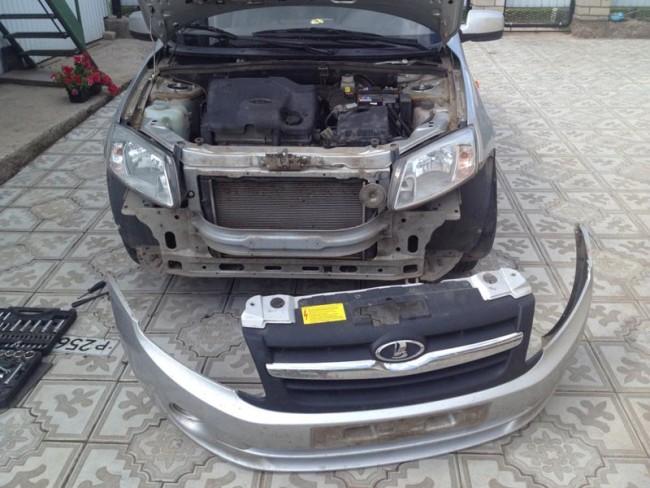 Передний бампер снят с кузова Лада Гранта