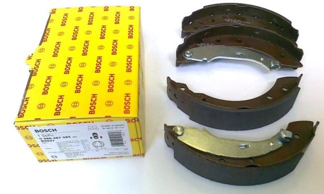 Задние тормозные колодки Bosch на Рено Логан