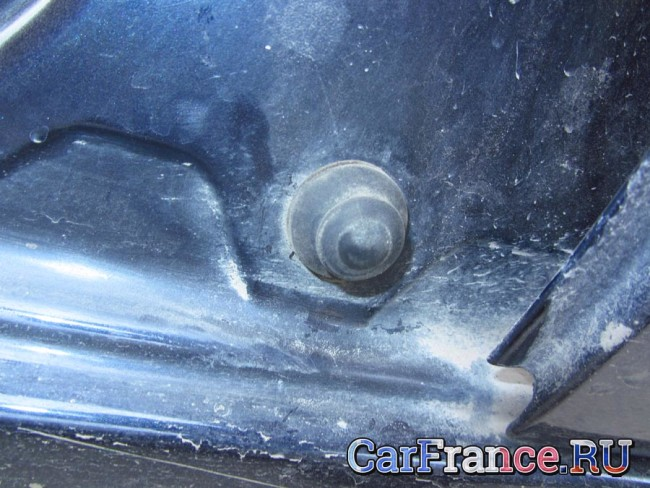 Концевик водительской двери установлен в комплектации Стандарт
