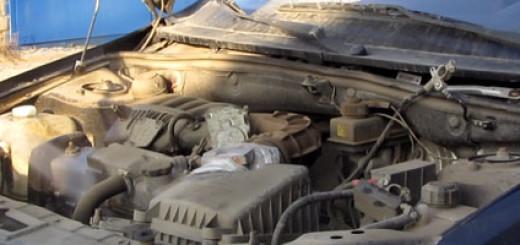 Мойка двигателя Лада Гранта в гараже с мойки высокого давления