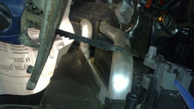 Отпиливание трубок радиатора Лада Гранта