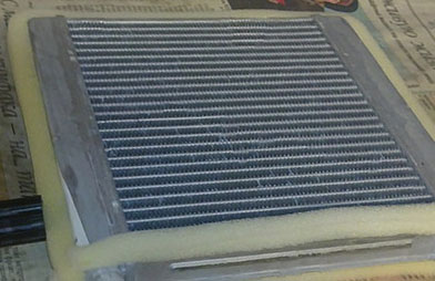Обклейка нового радиатора отопителя поролоном
