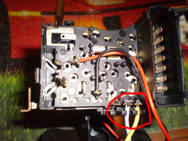 Расположение проводов в подрулевом переключателе после перепайки.