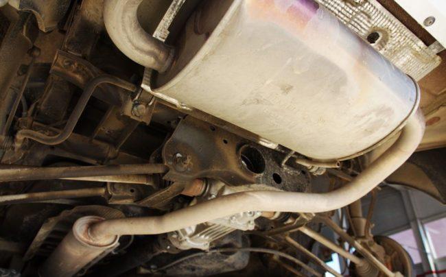 Дастер 4WD, глушитель