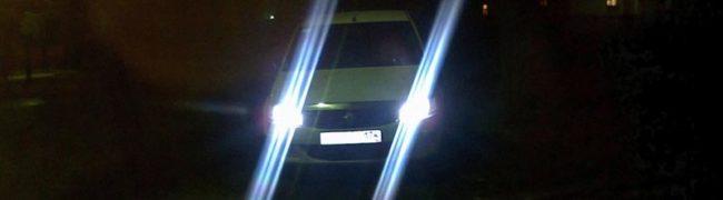 Диодные габаритные лампы ночью на Рено Логан