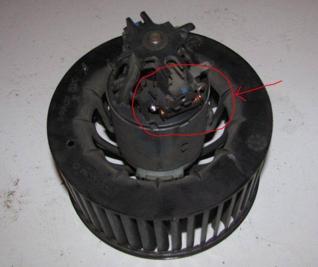 Мотор вентилятора отопителя Рено Логан