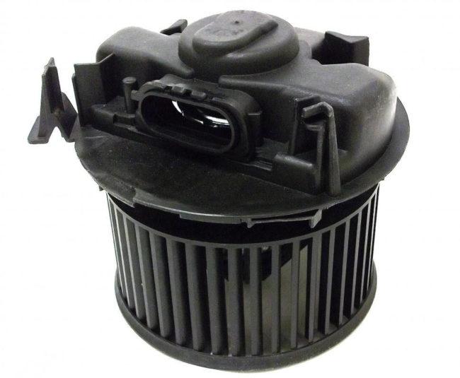 Мотор печки Рено Логан с широким разъёмом