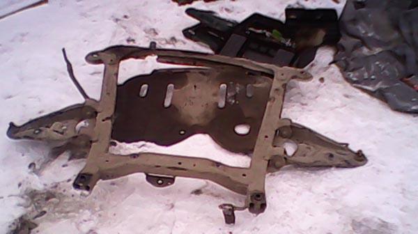 Снятый подрамник с автомобиля Рено Логан