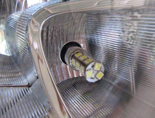 Светодиодная лампа в ДХО вблизи Лада Гранта