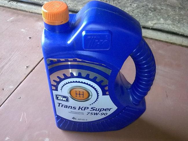 Самый распространённый вариант масла в КПП Лада Гранта