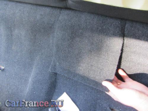 Поднятие обшивки пола под сидением для доступа к бензонасосу Лада Гранта