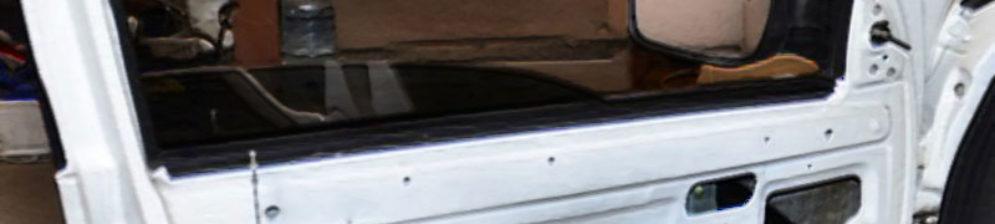 Разбор обшивки двери на Лада Гранта ремонт стекло не поднимается