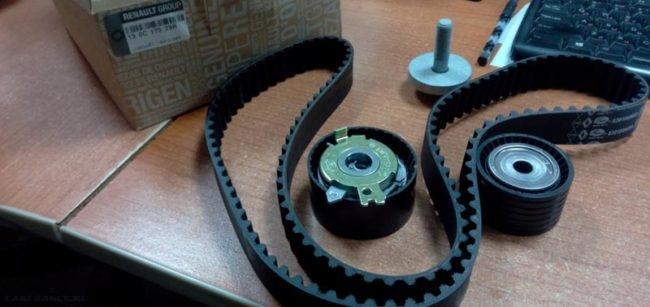 Комплект ремень ГРМ и ролики на Лада Ларгус 130C17529R