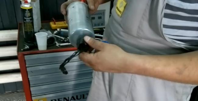 Подготовка к монтажу фильтра топлива Дастер с дизелем