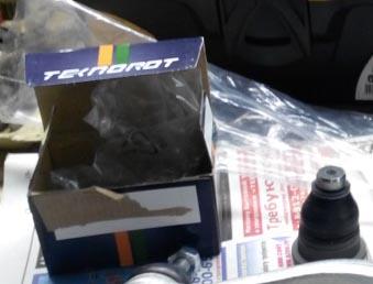 Шаровая опора на Рено Логан не оригинал Teknorot R-585