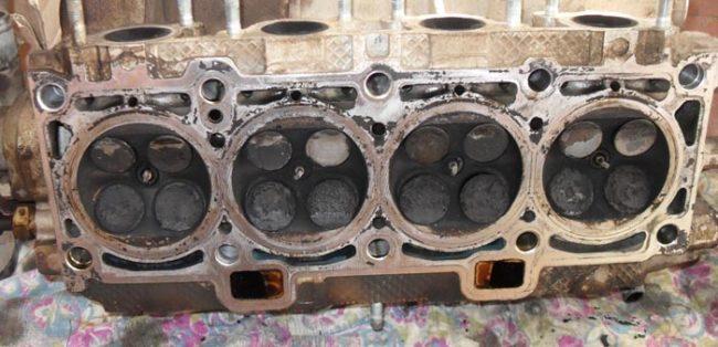 Клапана на двигателе Лада Калина