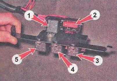 Схема дополнительного блока предохранителей на Лада Калина