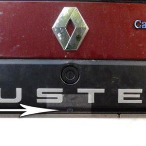 Камера в рамке подсветки номера Рено Дастер