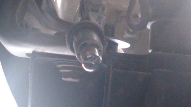 Габаритная лампа в патроне без защитного кожуха на Рено Логан