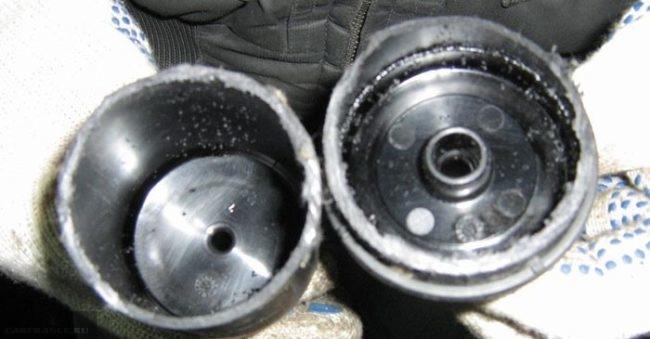 Пустышка топливный фильтр под капотом на Рено Дастер