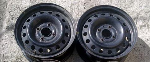 Колёсный диск на Киа Рио R16