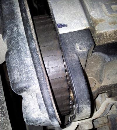 Плохой ремень ГРМ dayco на Лада Калина порепины и износ