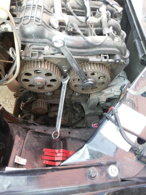 Снимаем ремень ГРМ и ролики с двигателя 16 клапанов