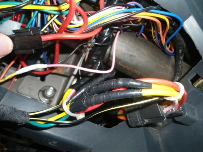 Провода подключения сигнализации Рено Логан