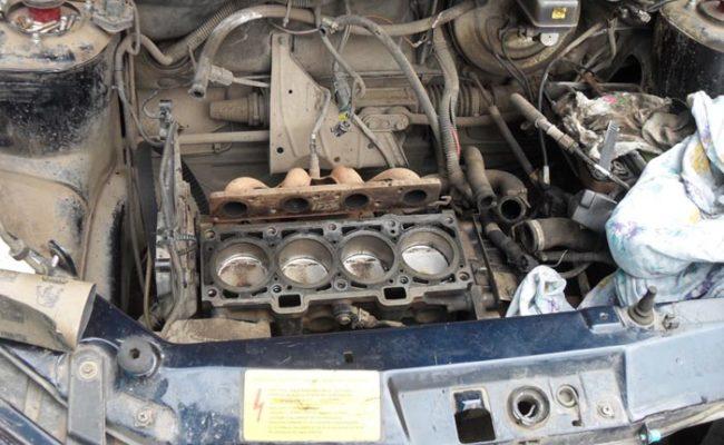 Демонтаж крышки двигателя на Лада Калина 16 клапанов