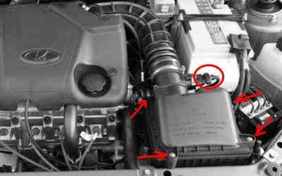 Снятие воздушного фильтра двигателя Лада Калина