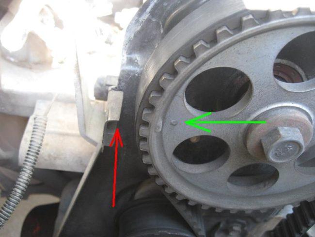 Выставляем метки на двигателе Лада Калина при замене ГРМ