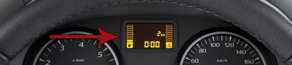 Указатель уровня топлива в баке на дизельном Рено Дастер