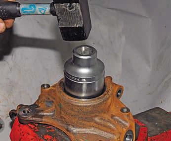 Выпресовка подшипника из передней ступицы Рено Дастер