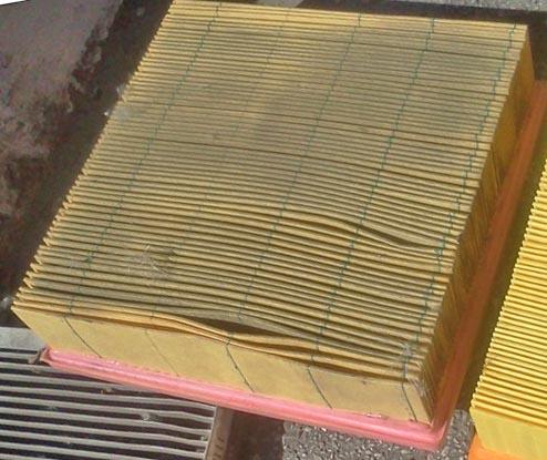 Грязный воздушный фильтр на Лада Калина