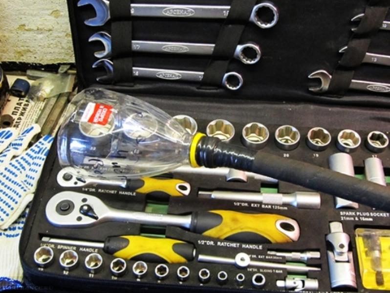 Набор инструментов для заливки и проверки уровня масла в КПП на Лада Калина