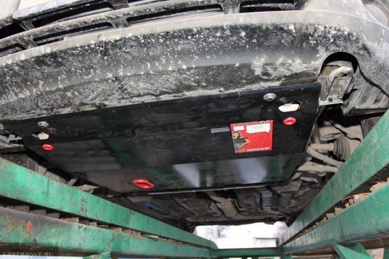 Смонтированная тюнинг защита двигателя Лада Калина