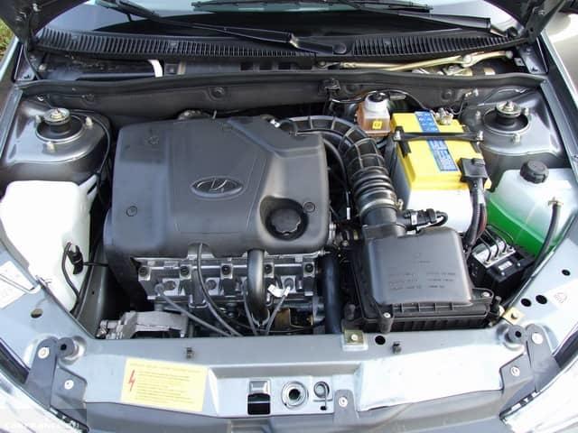 Общий вид двигателя Лада Калина