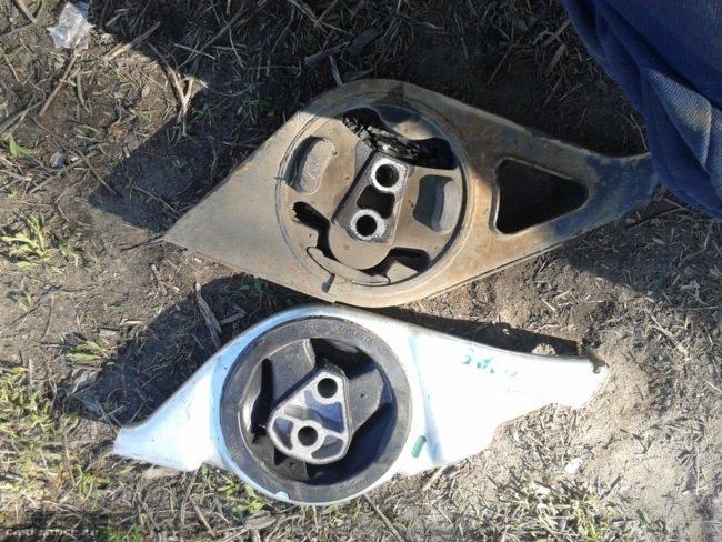 Подушка двигателя Лада Калина