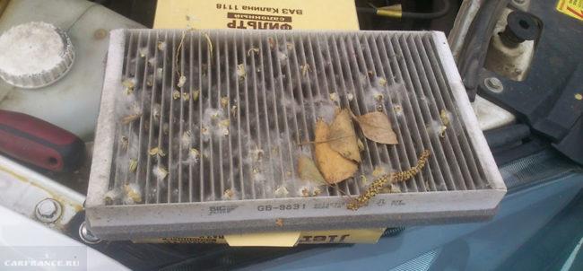 Воздушный фильтр сильно грязный на Лада Калина
