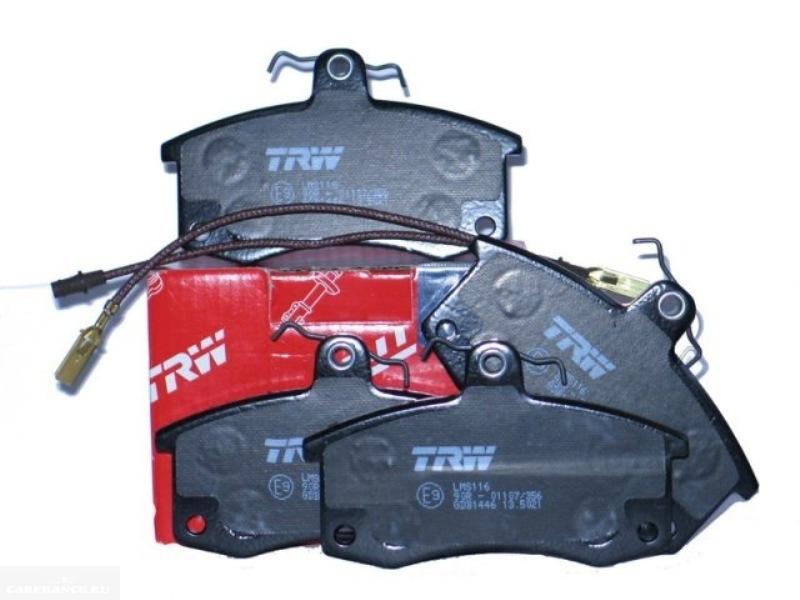 Комплект передних тормозных колодок производства TRW