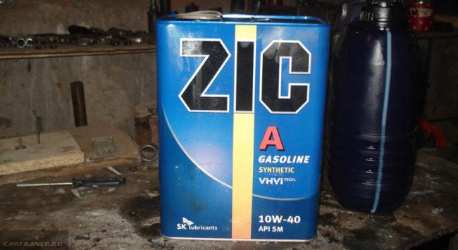 Полусинтетическое масло ZIC 10W-40 в двигатель Лада Калина