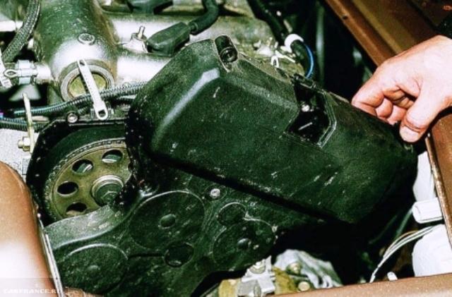 Снимаем крышку ГРМ ВАЗ-2112