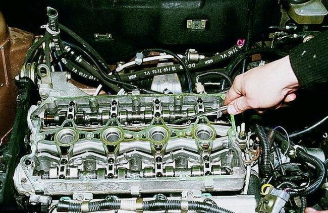 Двигатель. Определение, какой из гидрокомпенсаторов вышел из строя