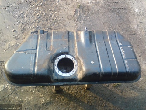 Снятый бензобак ВАЗ-2112